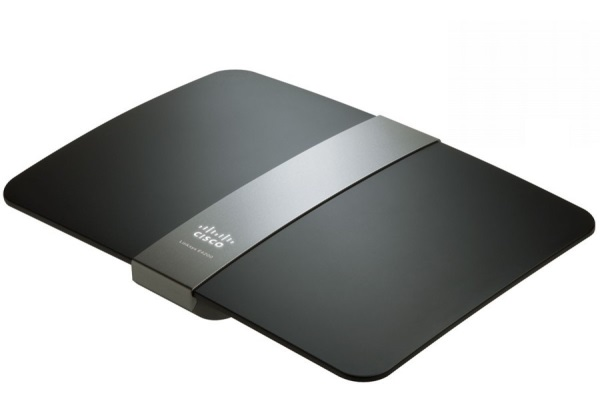 Cisco_Linksys_E4200_01