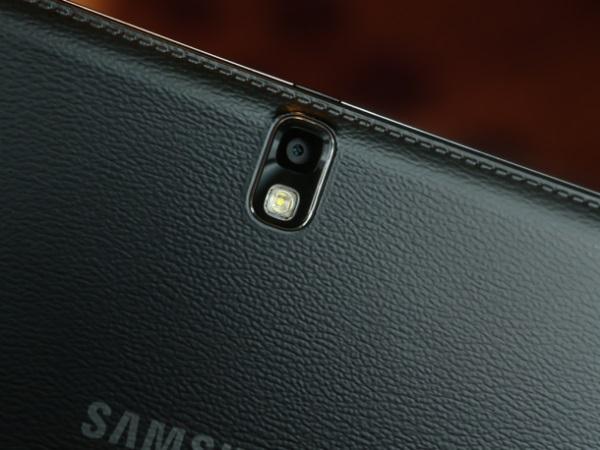 Samsung_Galaxy_Note_10.1_2014_01