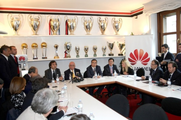 MILAN 2013-14 CONFERENZA STAMPA CONTRATTO HUAWEI 30-10-2013