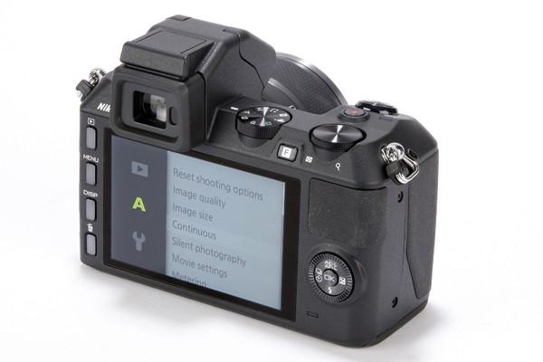 Nikon-1-V2-6