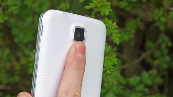 Samsung_Galaxy_S5_13