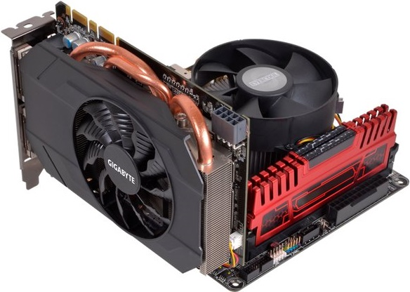 Gigabyte GeForce GTX 970 mini-ITX 01