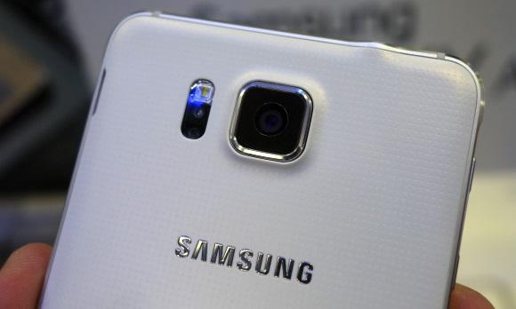 Samsung-Galaxy-E7 02