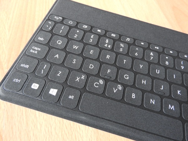 Logitech Keys-To-Go 11