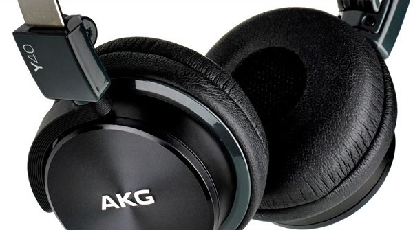 AKG Y40 03