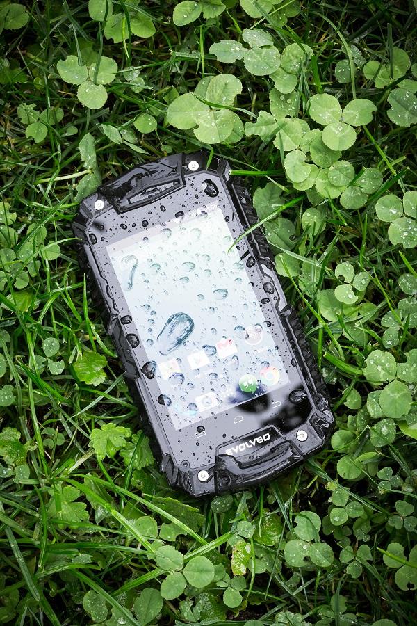 Evolveo_StrongPhone_D2_Mini_03