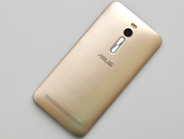 ASUS ZenFone 2 03