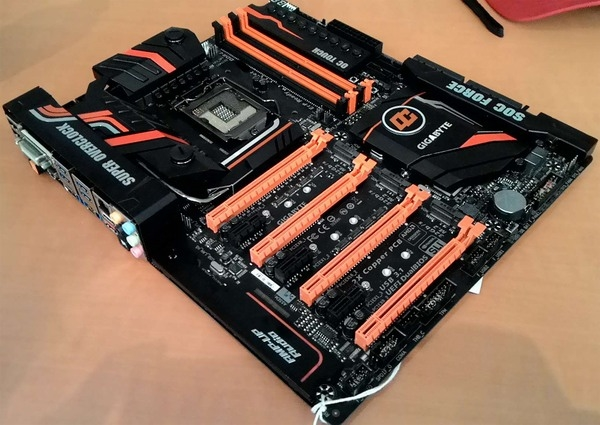 Gigabyte Z170X-SOC Force LN2