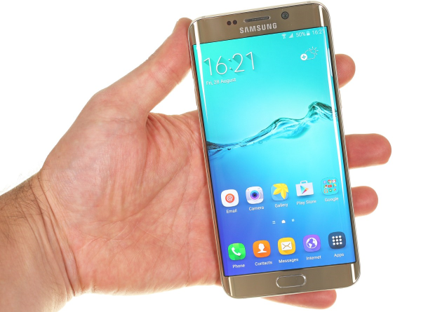 Samsung Galaxy S6 Edge Plus 11