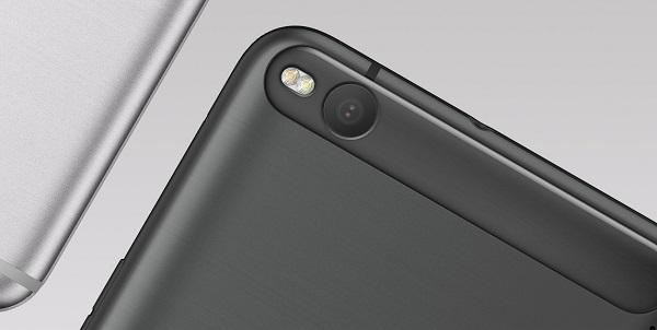 HTC One X9 03