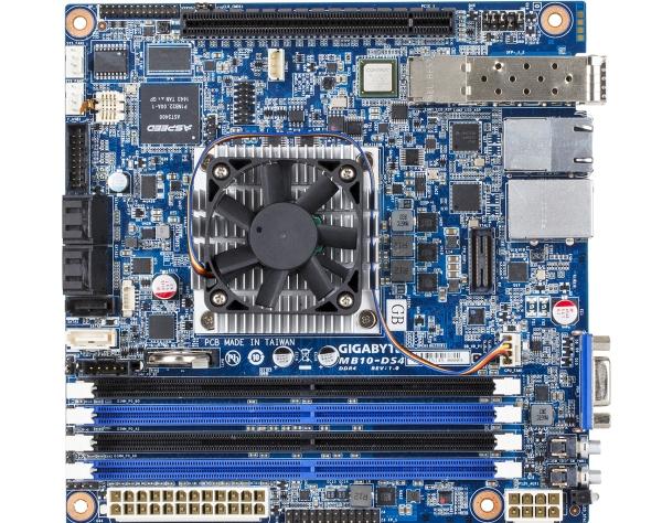 Gigabyte MB10-DS4 02