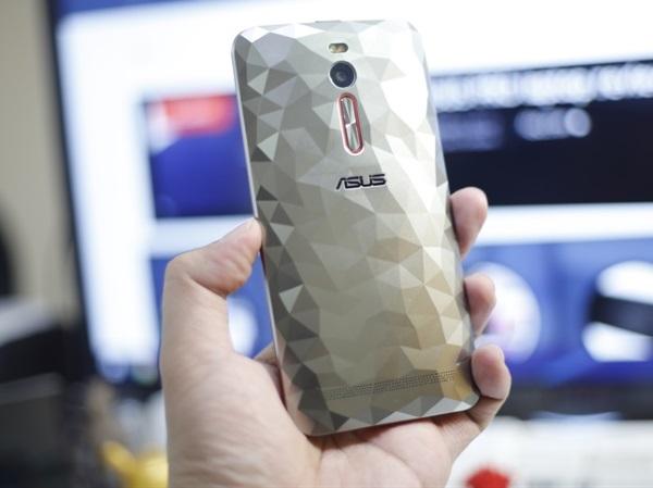 ASUS ZenFone 2 Deluxe 04