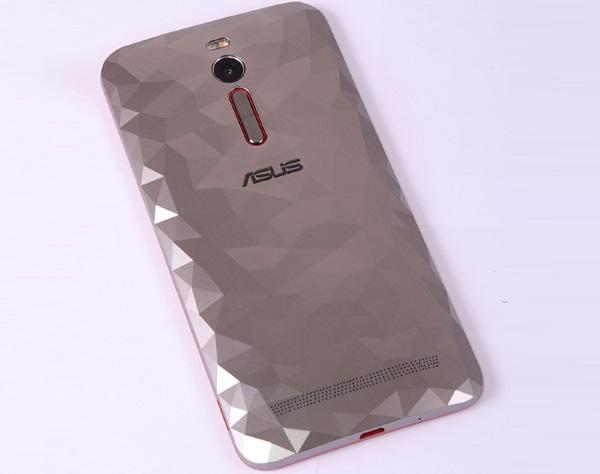 ASUS ZenFone 2 Deluxe 12