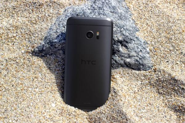 HTC 10 02