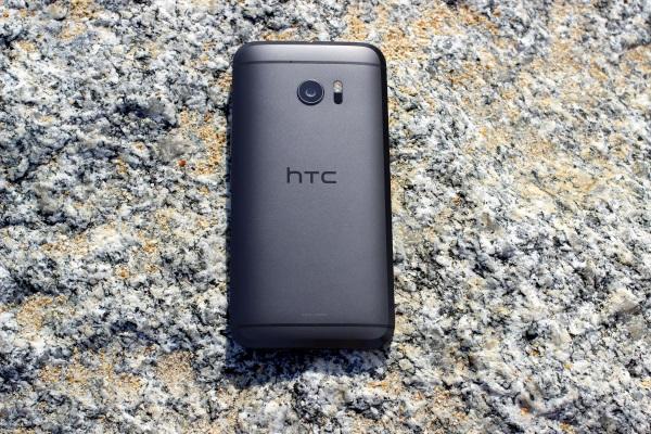 HTC 10 03