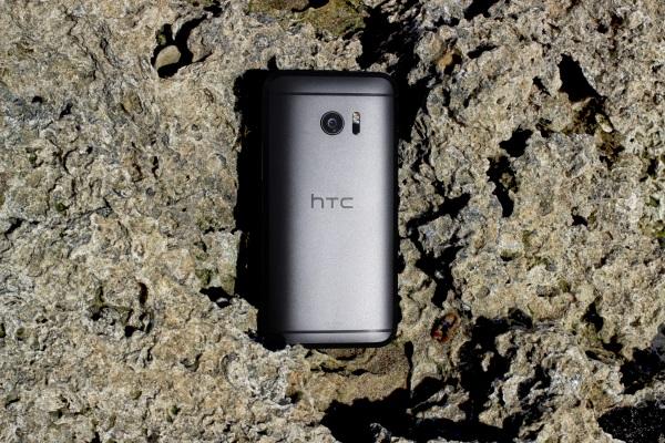 HTC 10 05