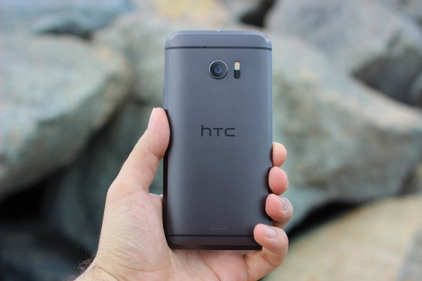 HTC 10 08