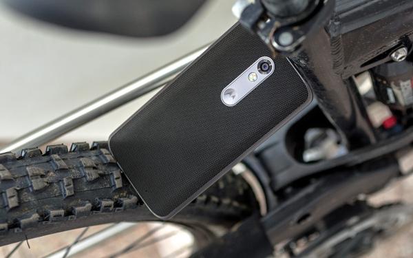 Lenovo Moto X Force 05