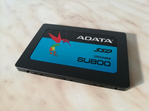 adata-ultimate-su800-256gb-01