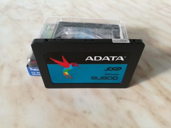 adata-ultimate-su800-256gb-09