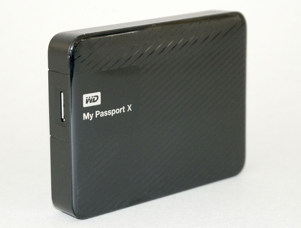 western-digital-my-passport-x-2tb-07